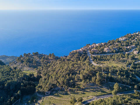 VAL0480 950,000 m2 of land with dramatic mountain views in Valldemossa